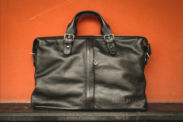 7065e1e97495 Как очистить кожу сумки и подкладку в домашних условиях - как ...